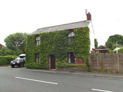3 Bedrooms Barn Conversion Character Property for sale in Tunley Villa, Wrightington, Wigan, Lancashire, WN6