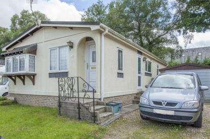 2 Bedrooms Detached House for sale in Sampford Courtenay, Okehampton, Devon