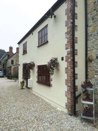 3 Bedrooms Semi Detached House for sale in Axminster, Devon