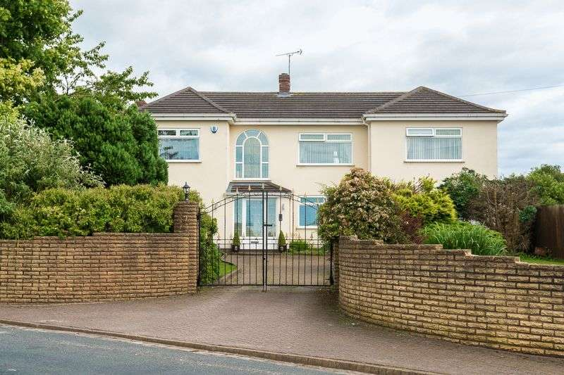 5 Bedrooms Detached House for sale in Turnpike Road, Aughton