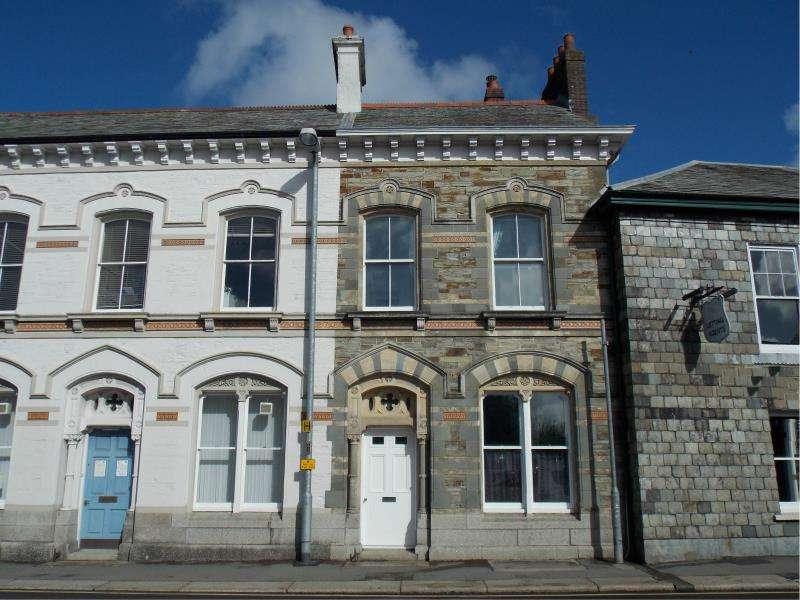 3 Bedrooms Terraced House for sale in Dean Street, Liskeard