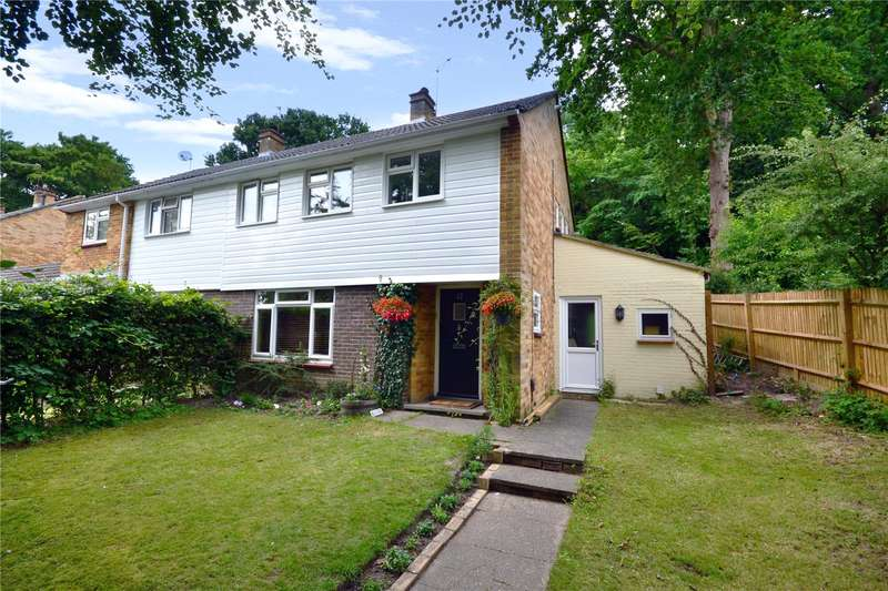 3 Bedrooms Semi Detached House for sale in Dundas Close, Bracknell, Berkshire, RG12