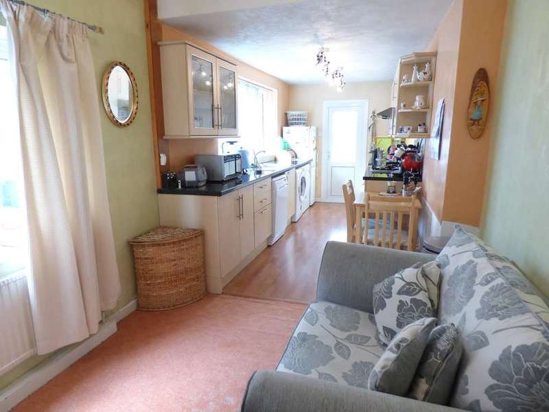 3 Bedrooms Semi Detached House for sale in Ribchester Road, Lytham, Lytham St Annes, FY8 4HE