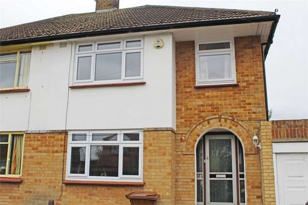 3 Bedrooms Semi Detached House for sale in Tufton Road, Rainham, Gillingham, Kent