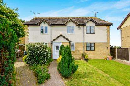 2 Bedrooms Terraced House for sale in Althorne Way, Canewdon, Rochford