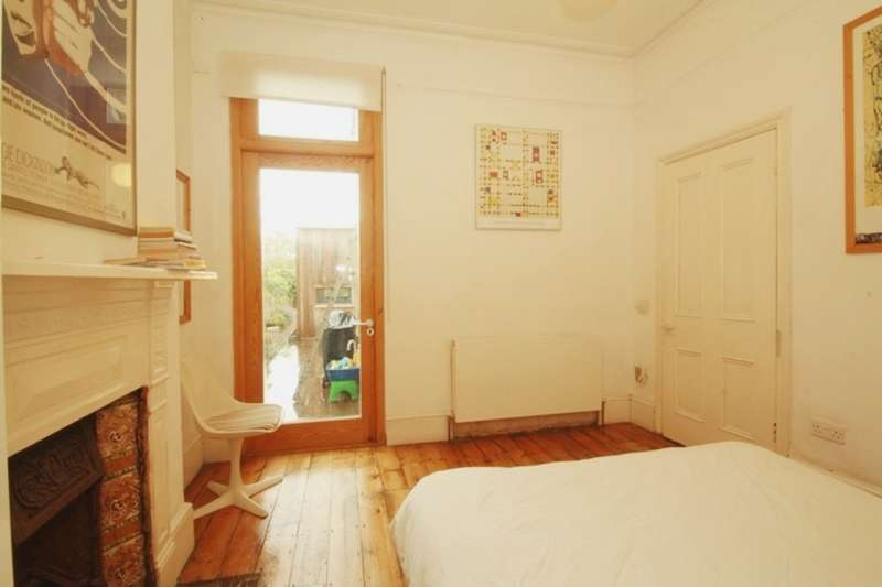 3 Bedrooms Semi Detached House for sale in Clifford Gardens, Kensal Rise NW10