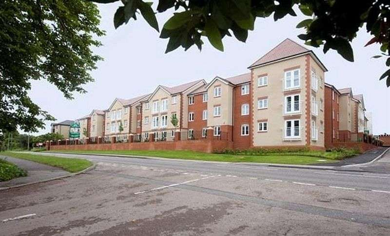 1 Bedroom Flat for sale in Goodes Court, Royston: One bed second floor Assisted Living retirement apartment