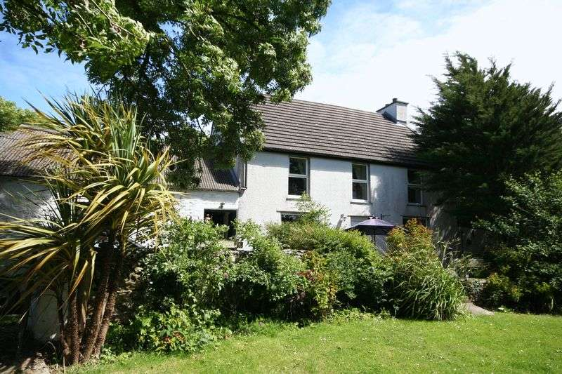 3 Bedrooms Detached House for sale in Penysarn, Anglesey