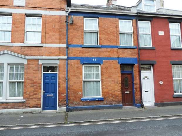 2 Bedrooms Terraced House for sale in Vicarage Lawn, Barnstaple, Devon