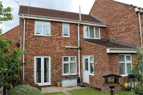 3 Bedrooms Terraced House for sale in Berry Edge Road, Consett, Durham
