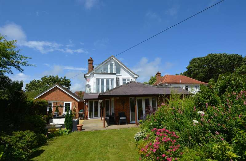 4 Bedrooms Detached House for sale in Milford Road, Lymington, Hampshire, SO41