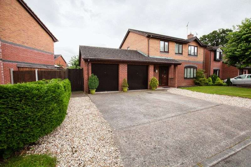 4 Bedrooms Detached House for sale in Greenfield View, Wrexham