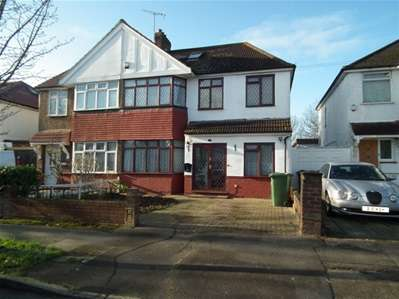 5 Bedrooms Semi Detached House for sale in Grasmere gardens, Harrow Weald