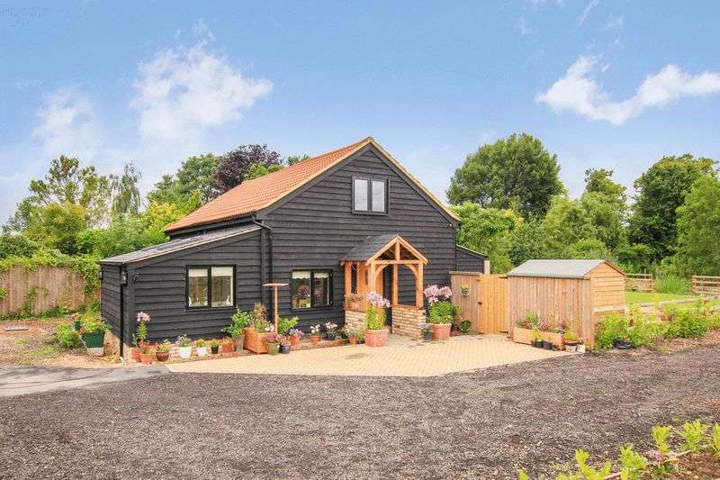 3 Bedrooms Detached House for sale in Gubblecote, Tring