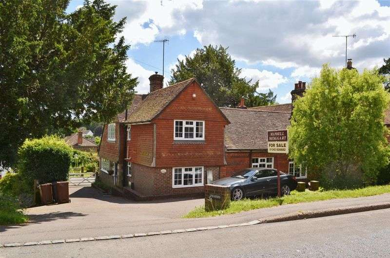 4 Bedrooms House for sale in Lewes Road, Forest Row