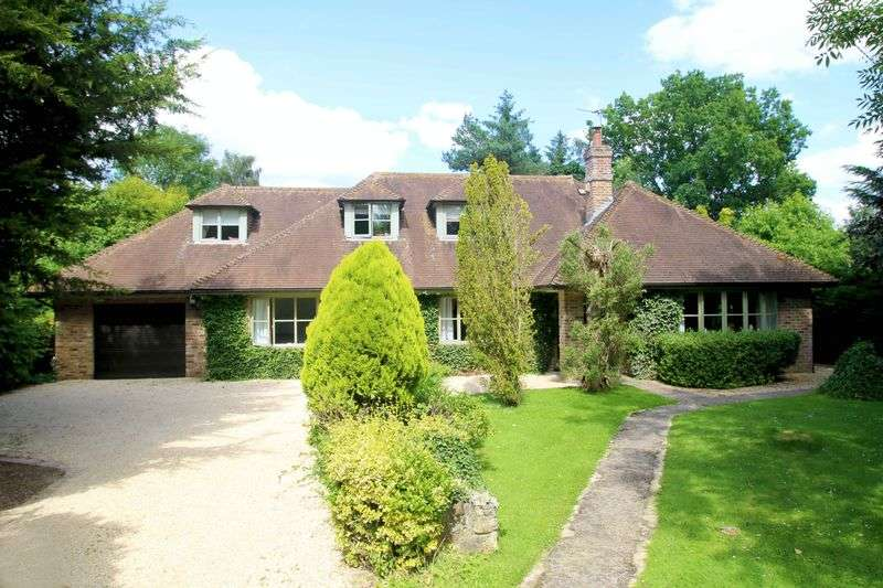 5 Bedrooms Detached House for sale in Little Ickford, Buckinghamshire