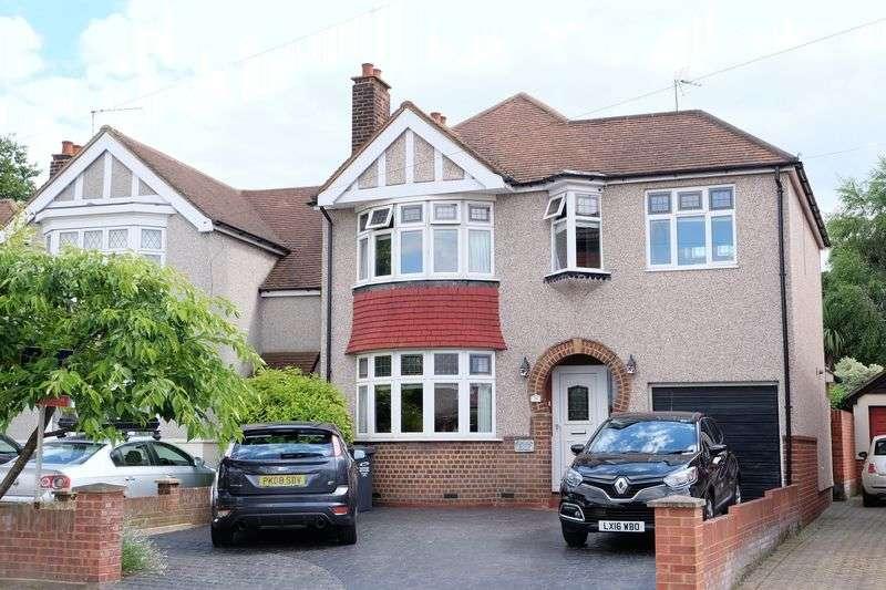 4 Bedrooms Detached House for sale in Devonshire Avenue, Dartford