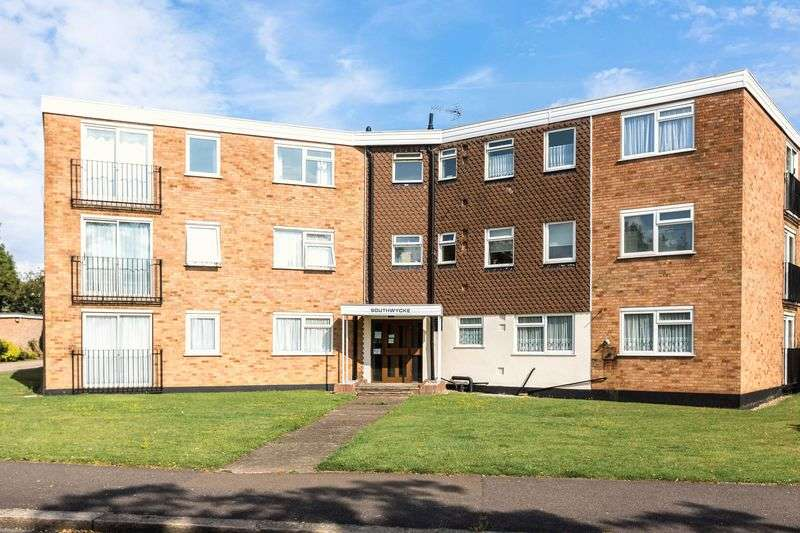2 Bedrooms Flat for sale in Southwycke, Thorpe bay