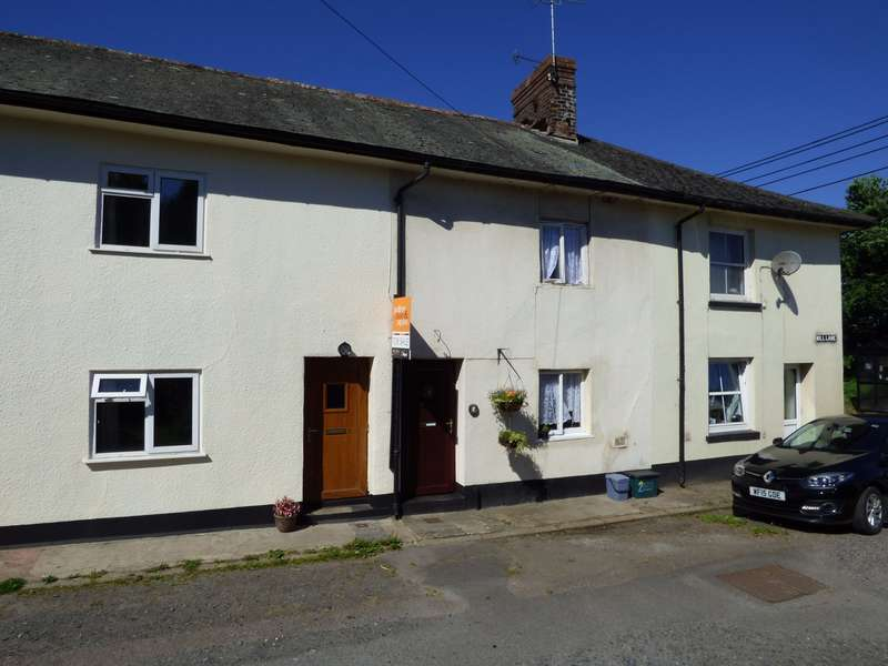 2 Bedrooms Town House for sale in North Tawton