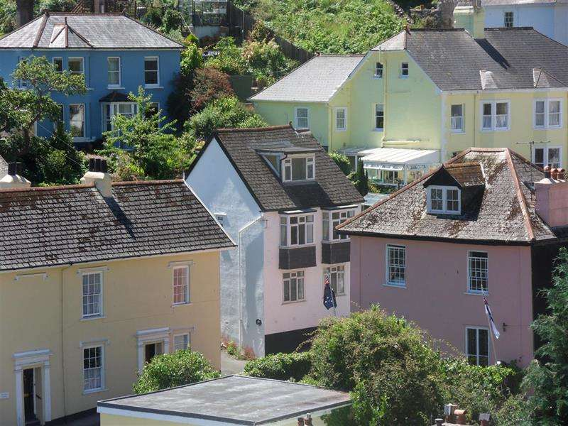 3 Bedrooms Detached House for sale in Victoria Road, Dartmouth