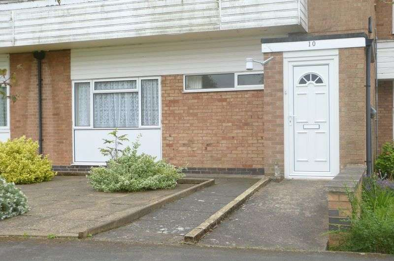 2 Bedrooms Flat for sale in Stonehill Drive, Great Glen