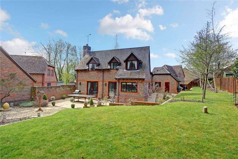 4 Bedrooms Detached House for sale in Flintjack Place, Lambourn, Hungerford, Berkshire, RG17