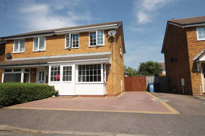3 Bedrooms Semi Detached House for sale in Ganges Road, Shotley Gate