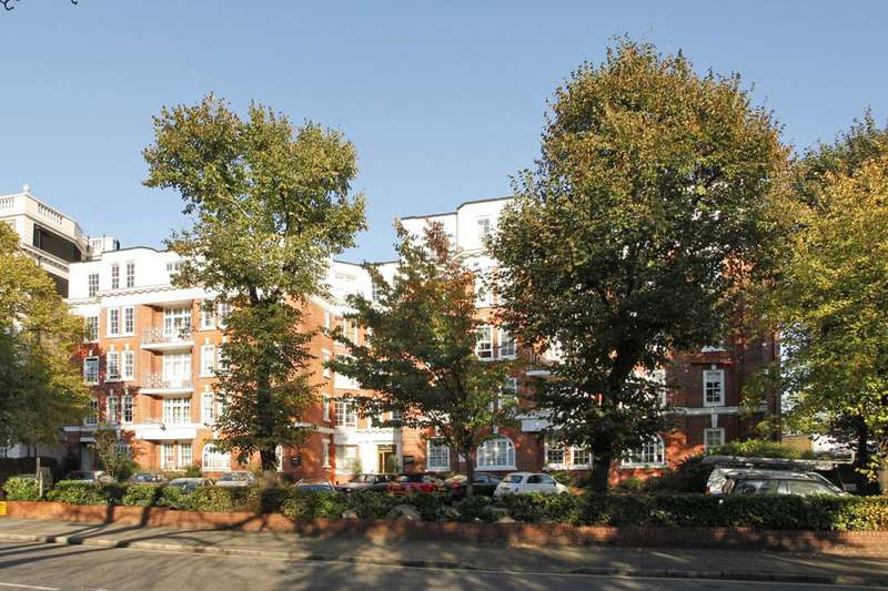 Studio Flat for sale in Grove End Road, St John's Wood, NW8
