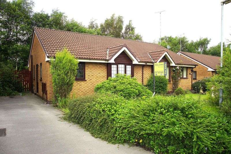 2 Bedrooms Semi Detached Bungalow for sale in Churchfields, Manchester
