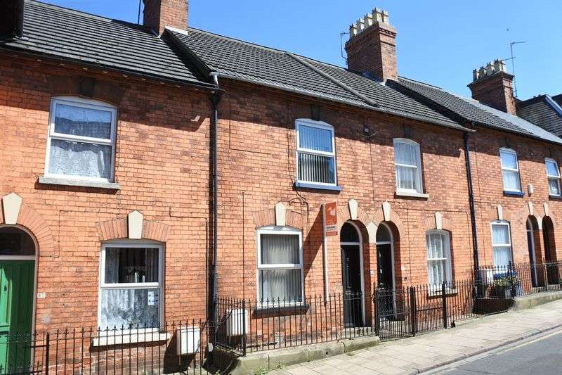 3 Bedrooms Terraced House for sale in Castlegate, Grantham