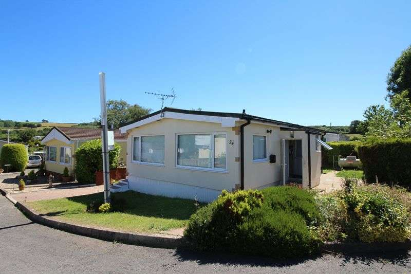 2 Bedrooms Detached House for sale in Woodlands Park, Tedburn St. Mary