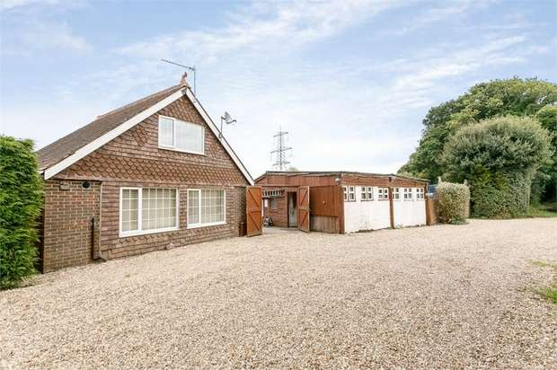 5 Bedrooms Detached House for sale in Slugwash Lane, Wivelsfield Green, Haywards Heath, East Sussex