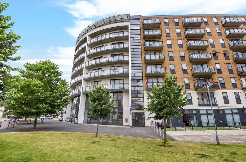 1 Bedroom Flat for sale in Reed House, Wimbledon, SW19