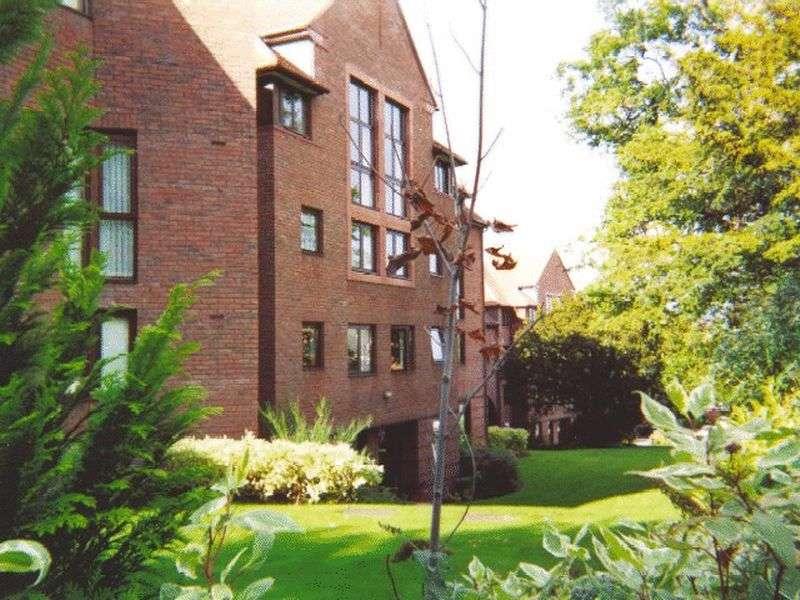 1 Bedroom Retirement Property for sale in Cwrt Bryn Coed, Colwyn Bay, LL29 7BJ