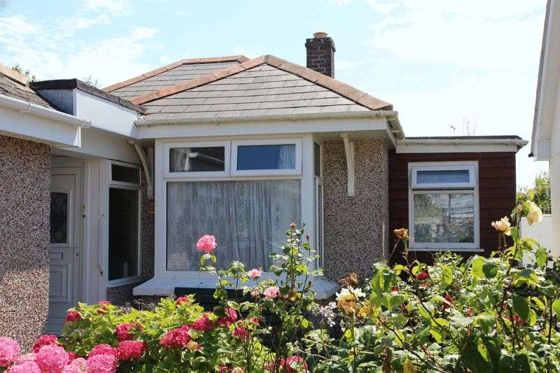2 Bedrooms Semi Detached Bungalow for sale in Henver Road, Newquay