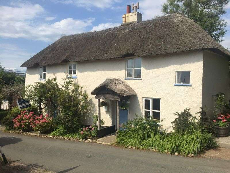 2 Bedrooms Cottage House for sale in Mount Hill Lane, Musbury