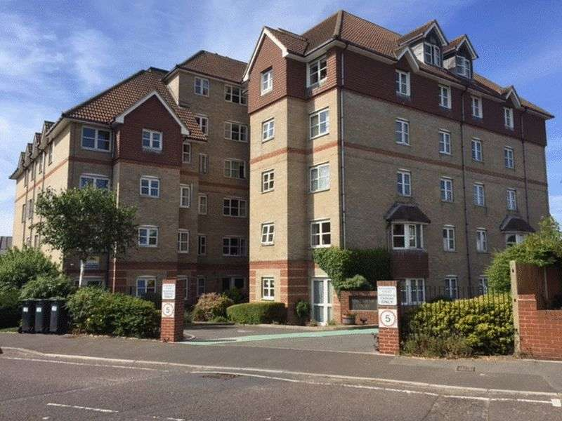 2 Bedrooms Flat for sale in Halebrose Court,Seafield Road, Bournemouth: Two bed first floor retirement apartment