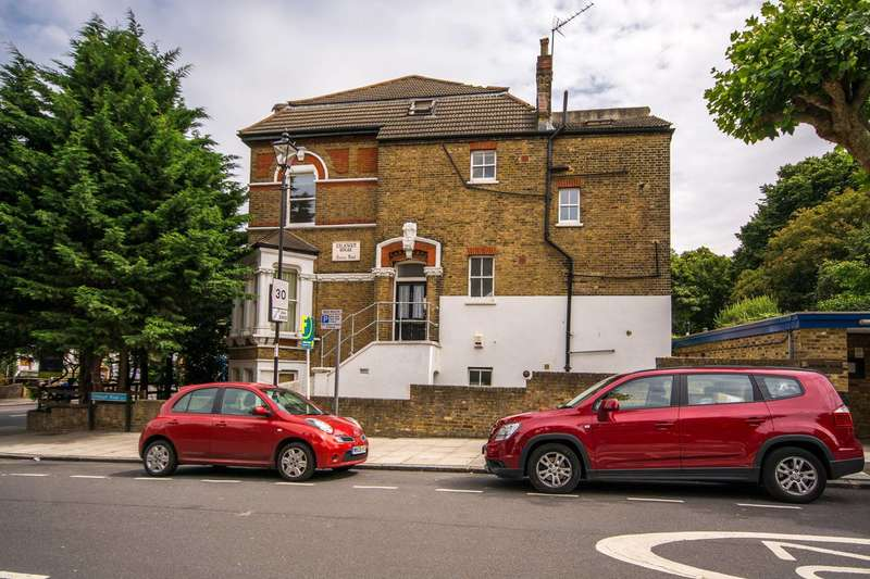 2 Bedrooms Flat for sale in Queens Road, Telegraph Hill, SE14