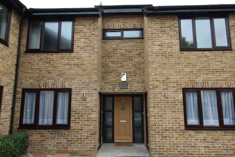 2 Bedrooms Flat for sale in Archer Mews, Hampton Hill, Hampton, TW12