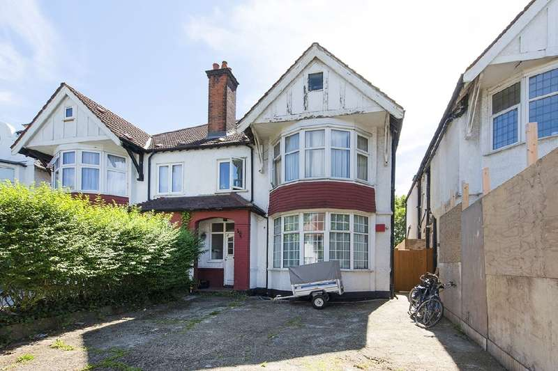 1 Bedroom Property for sale in Woodstock Avenue, NW11