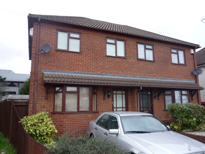 2 Bedrooms Semi Detached House for sale in Slough - Open day 22/10/16 11-12