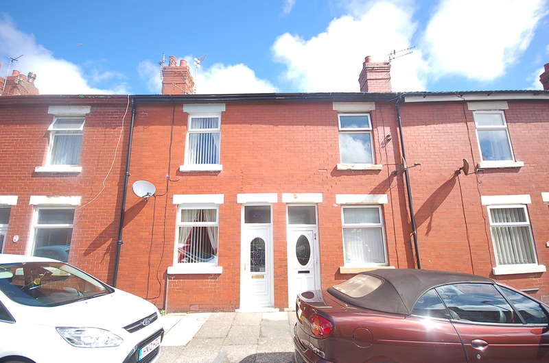 2 Bedrooms Terraced House for sale in Drummond Avenue, Blackpool