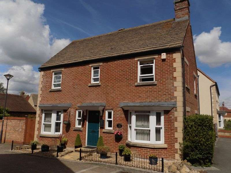 4 Bedrooms Detached House for sale in Spode Close, Redhouse
