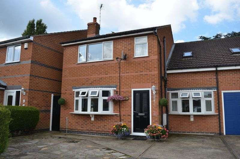 5 Bedrooms Semi Detached House for sale in Kent Crescent, Fairfield Estate