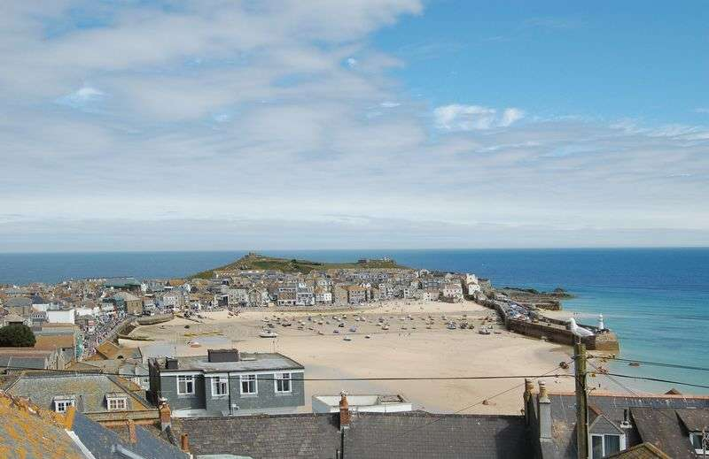 4 Bedrooms Terraced House for sale in Albert Place, St. Ives