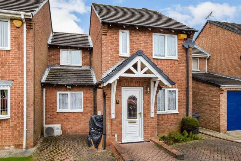3 Bedrooms Semi Detached House for sale in St. Johns Court, Sunnyside
