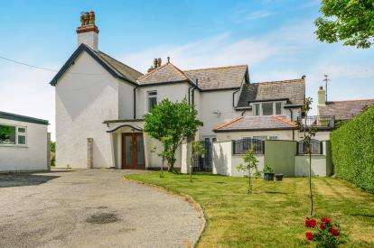 8 Bedrooms Detached House for sale in Lon St. Ffraid, Trearddur Bay, Holyhead, Sir Ynys Mon, LL65