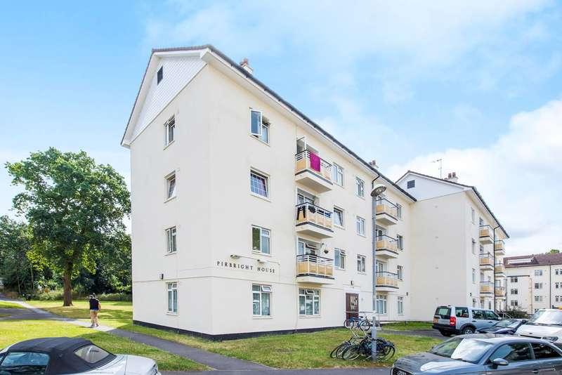 3 Bedrooms Flat for sale in Kingsnympton Park, Kingston Hill, KT2