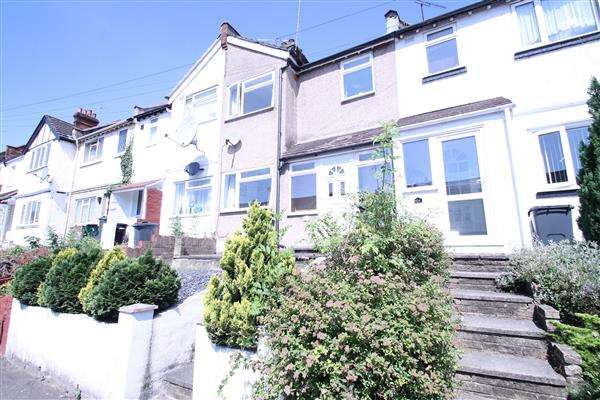 3 Bedrooms Terraced House for sale in Malcolm Road