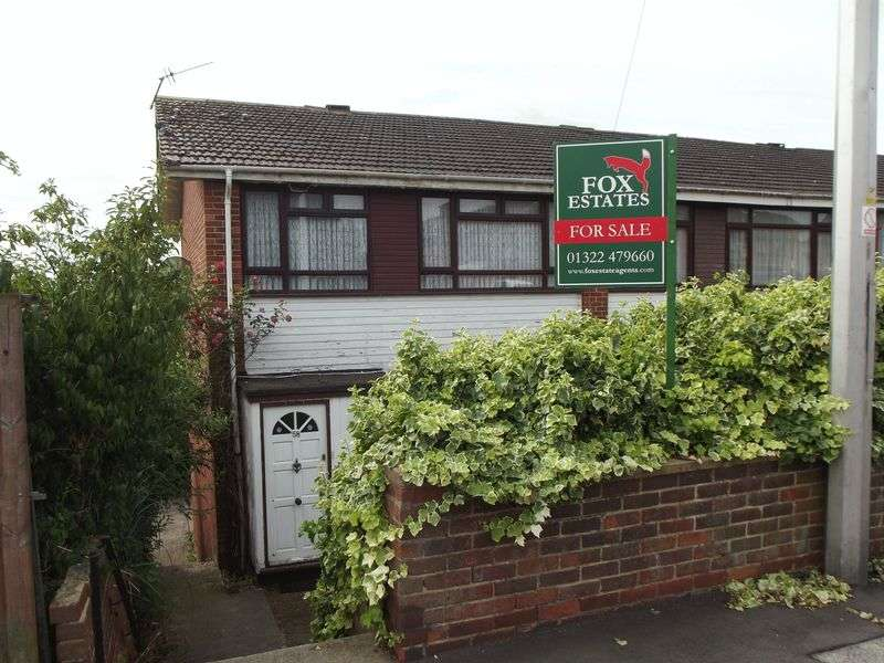 3 Bedrooms Terraced House for sale in Iron Mill Lane, Dartford